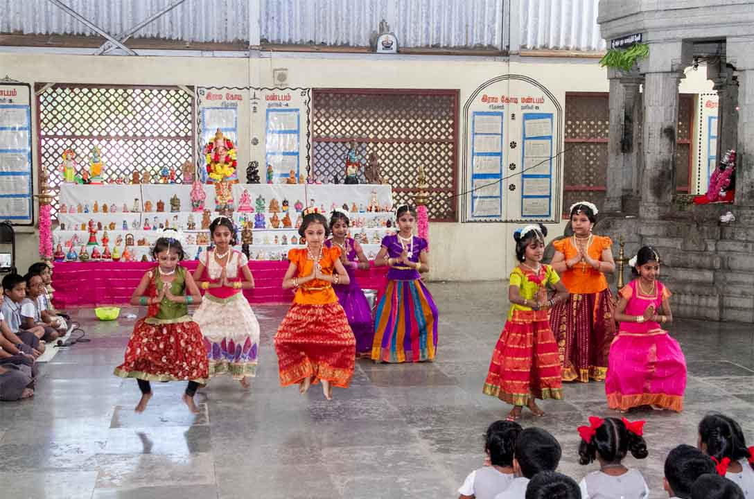 Bharath natyam dance on Golu Day